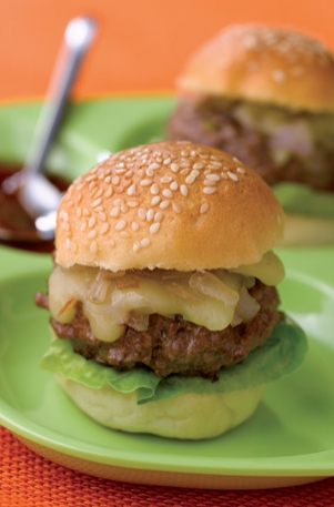 Mini hamburger with Cantal